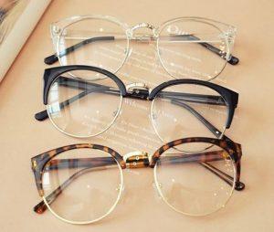 113 300x254 - فروش عمده انواع عینک های طبی و آفتابی